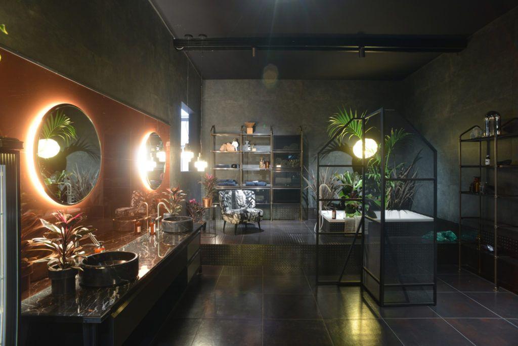 Wnętrze łazienki zaprojektowane przez markę Diesel