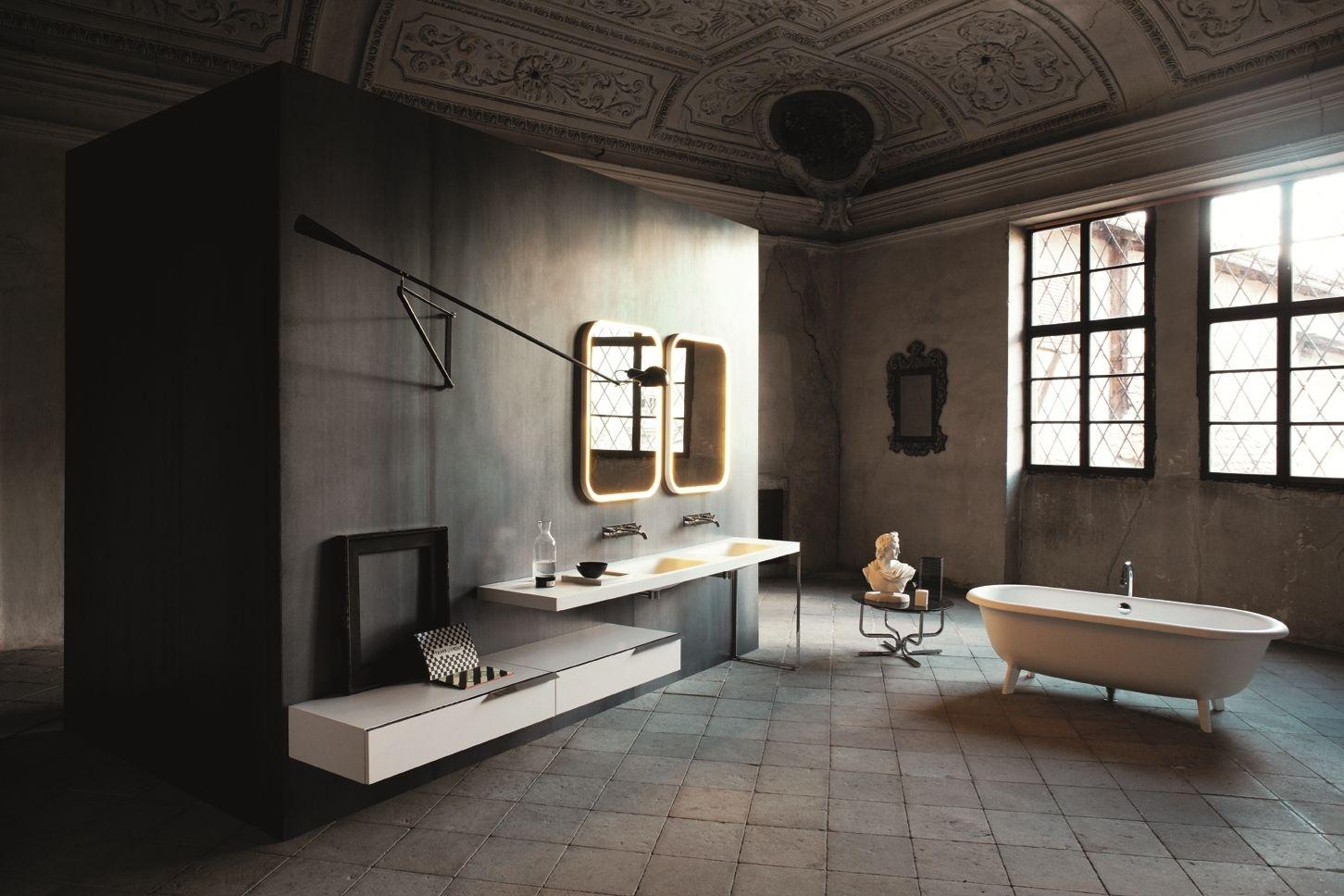 Luksusowe wnętrze łazienki z wyposażeniem Agape w Bellamica