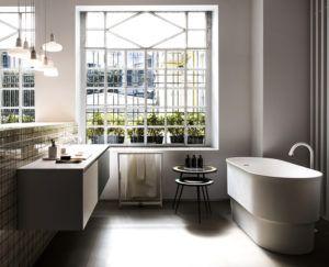 Modernistyczne wnętrze łazienki w salonie w Piekarach Śląskich