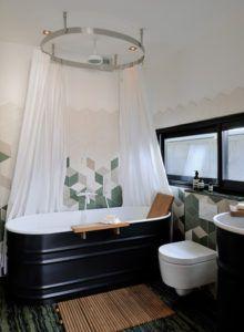 Wnętrze łazienki z wyposażeniem Agape w salonie Bellamica