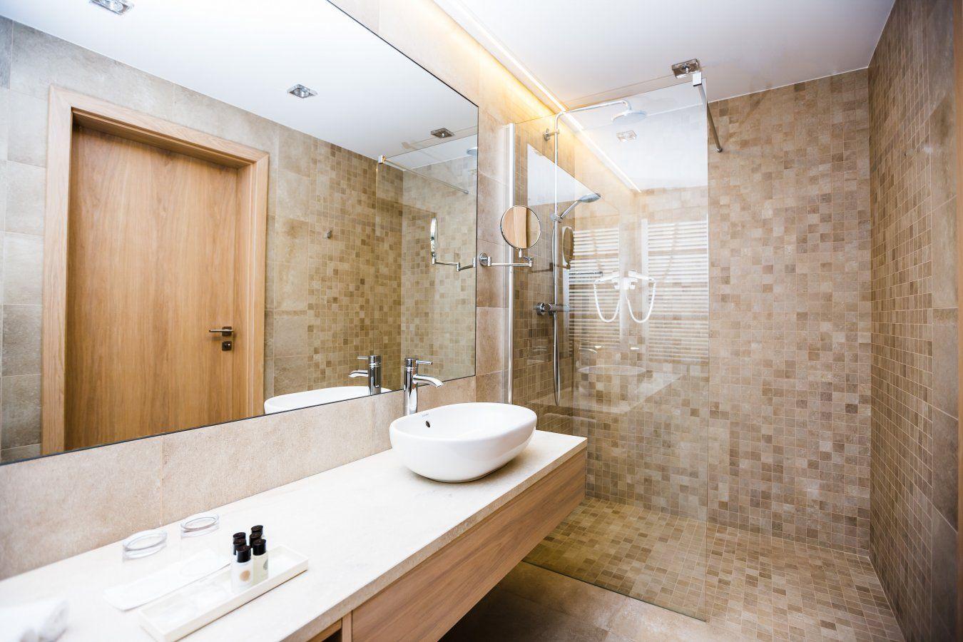 Projekt płytek do łazienek w Hotelu Sokół