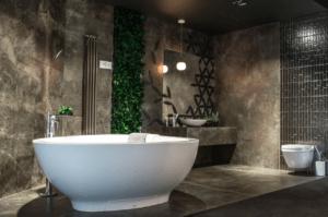 Wanna wolnostojąca w nowoczesnej łazience w salonie Bellamica