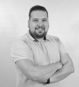 Przedstawiciel handlowy salonu Bellamica Jacek Boroń